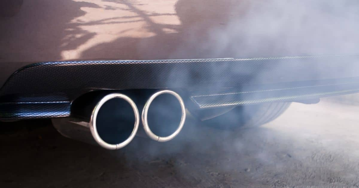 Reasons to Stop Idling Your Car car exhaust and pollution